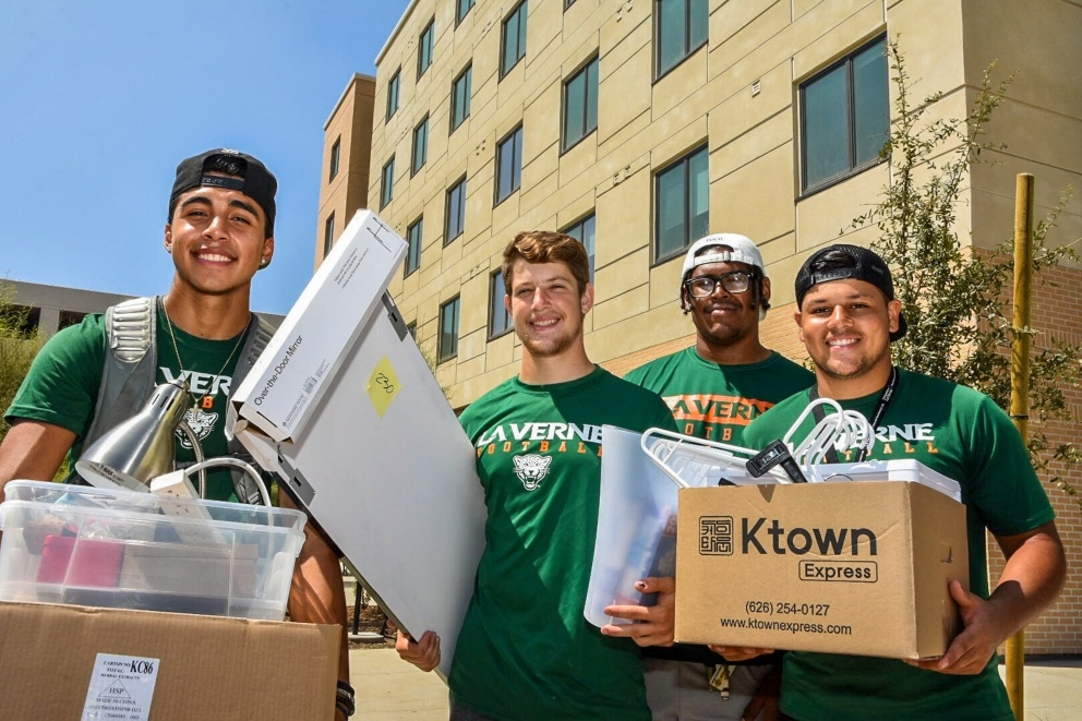 Students move in to their dorms